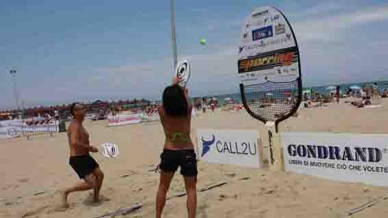 Tennis in spiaggia a tirrenia obiettivotre obiettivotre - Bagno imperiale tirrenia ...