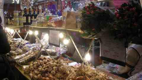 Mercatini di natale in toscana tra tradizione e modernit for Roba usata regalo