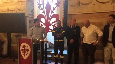 conferenza stampa lungarno torrigiani