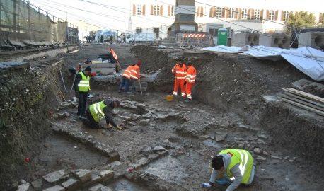 Dai romani al Novecento: gli scavi archeologici per i lavori della tramvia svelano la storia di Firenze