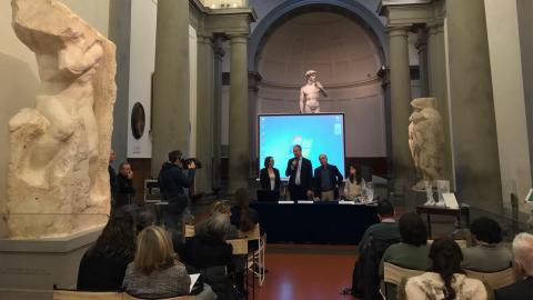 conferenza stampa percorso tattile accademia e borsa antistress degli Uffizi