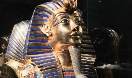Tutankhamon, viaggio verso l'eternità: a Firenze la mostra tra realtà virtuale, copie e reperti originali